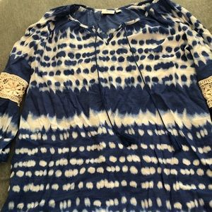 Blue and White Tie-Dye 3/4 Sleeves Top